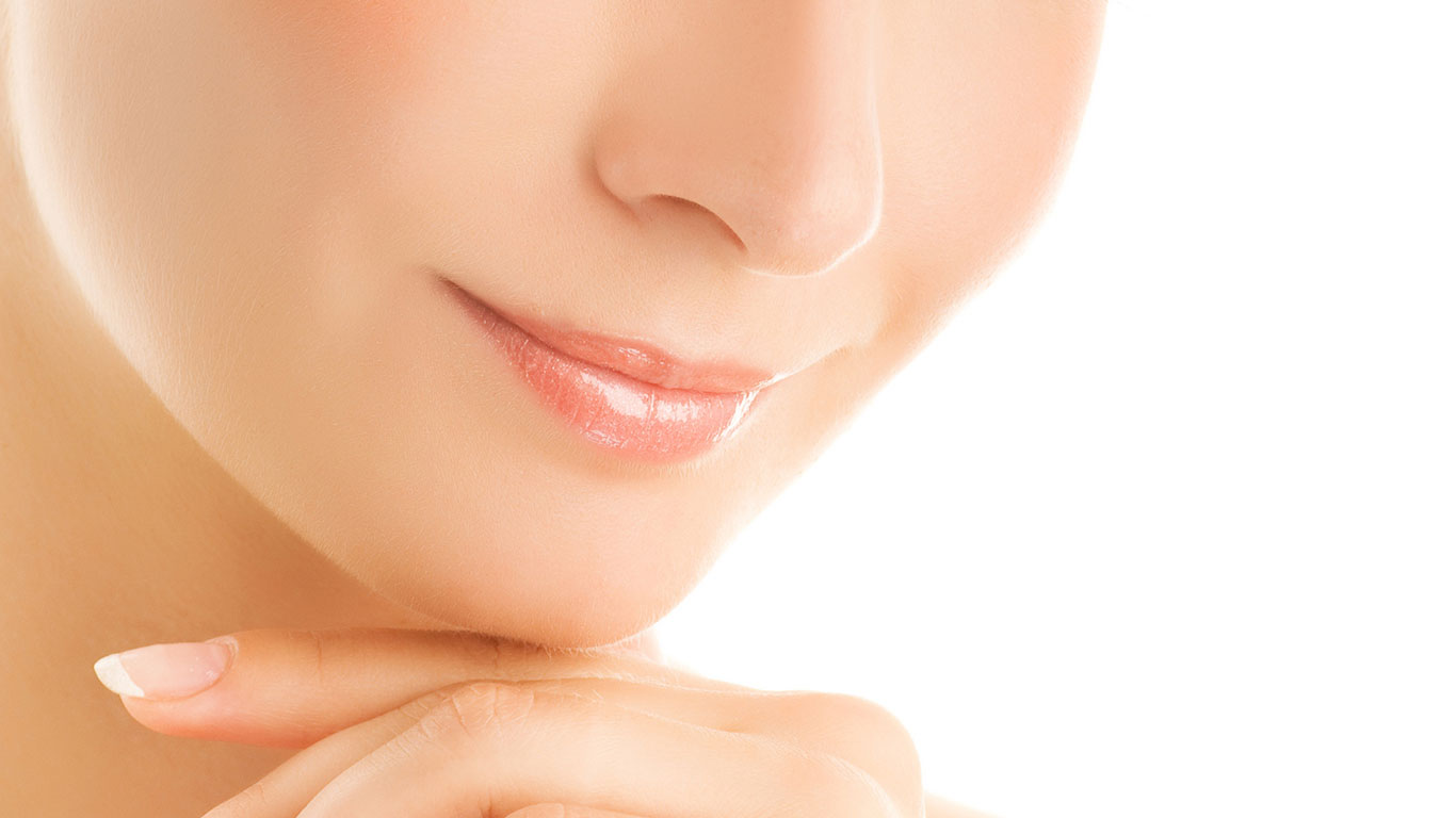 Aesthetic facial treatment in Marbella: mesolift